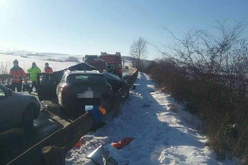 Zrážka dvoch áut v katastri obce Galovany (okres Liptovský Mikuláš)