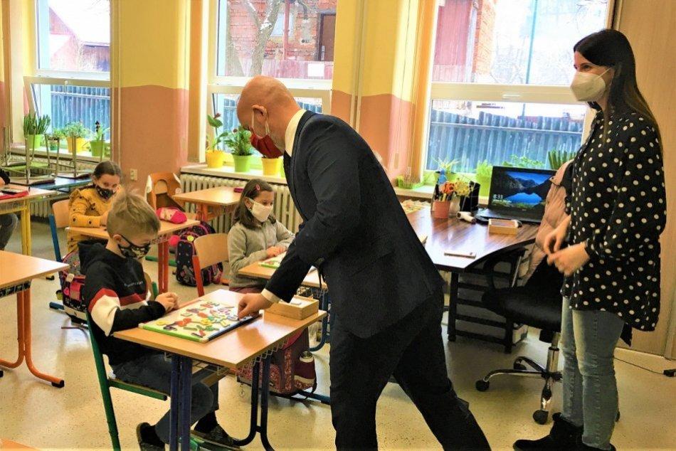 OBRAZOM: Minister Branislav Gröhling na návšteve v okrese Považská Bystrica