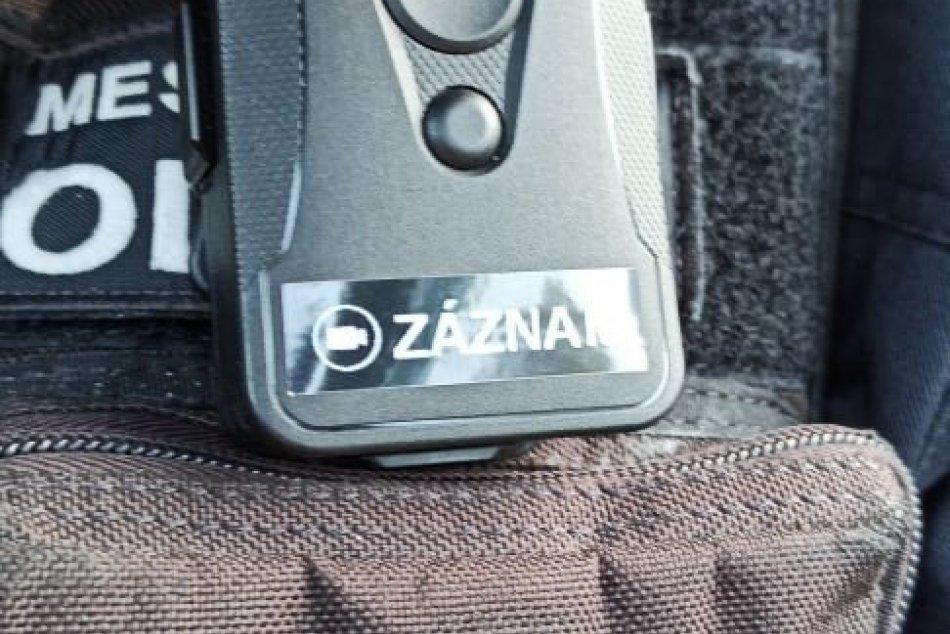 V OBRAZOCH: Mestskí policajti vo Zvolene začali používať osobné kamery
