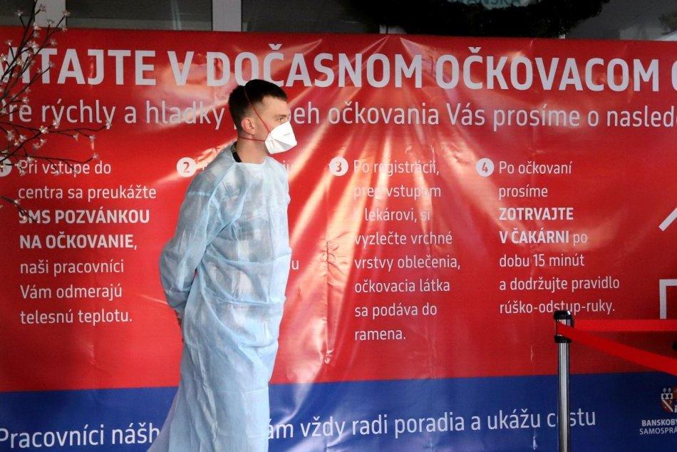 V OBRAZOCH: V Banskej Bystrici pokračuje očkovanie učiteľov