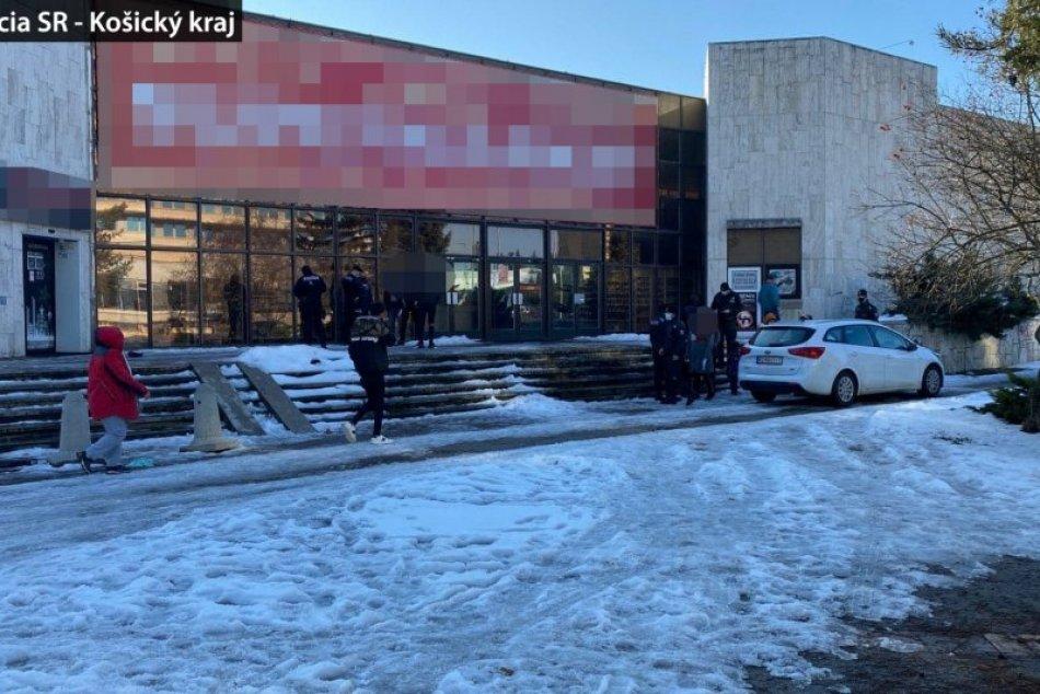 Policajti odhalili otvorené obchody v Spišskej