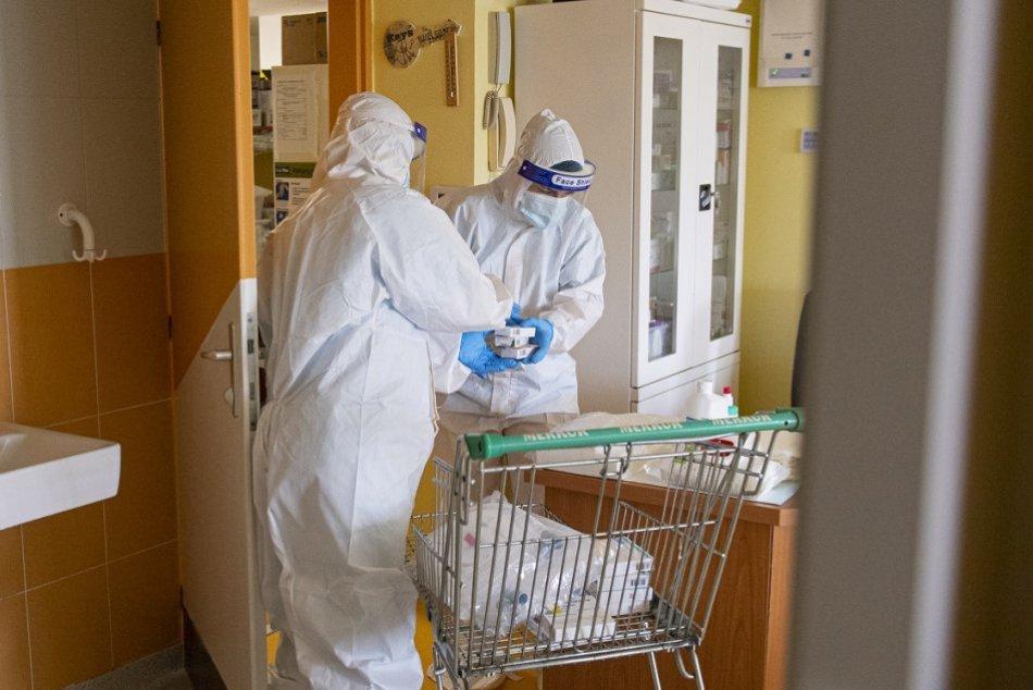 Pacienti na JIS s koronavírusom