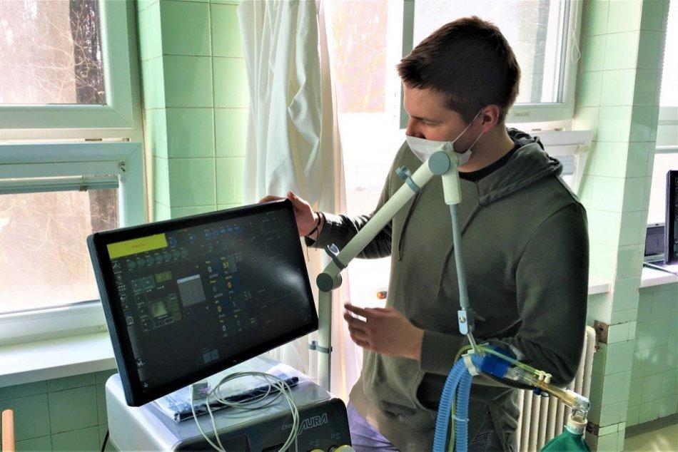 FOTO: Považskobystrická nemocnica má dva nové pľúcne ventilátory