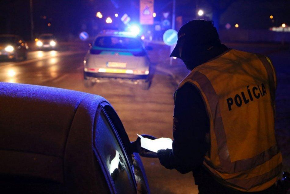 V OBRAZOCH: Polícia v Nitre kontroluje sprísnené opatrenia