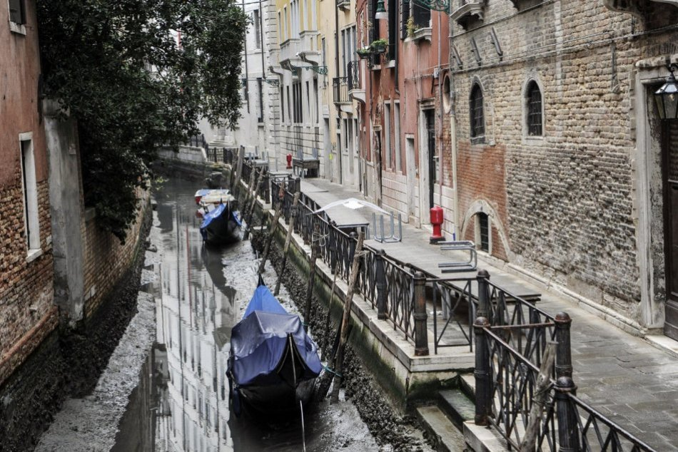 Kanále v Benátkach vyschli