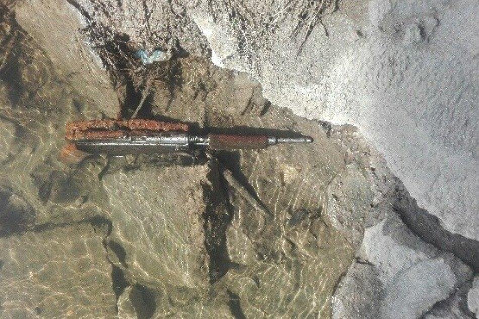 Nález zbraní v rieke Nitra