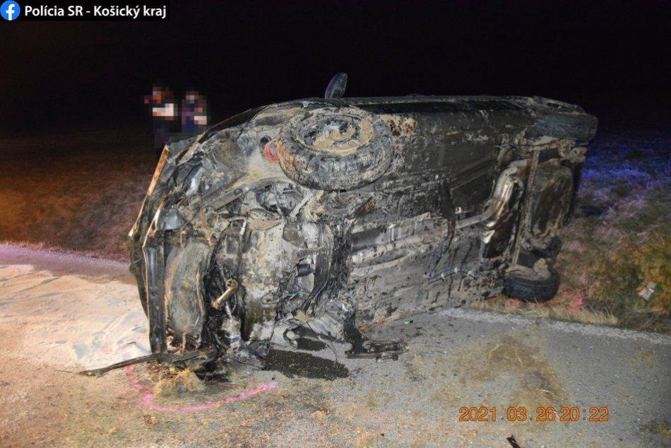 Vážna nehoda pri Rožňave na FOTKÁCH: Mladý vodič nezvládol riadenie