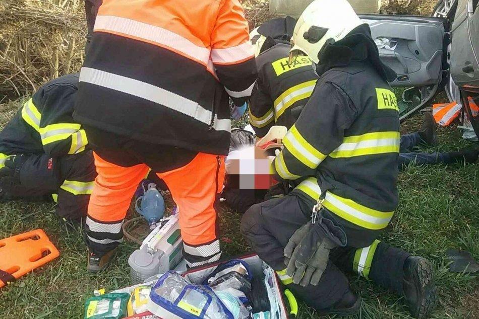 Pri nehode neďaleko Chynorian zahynul jeden človek