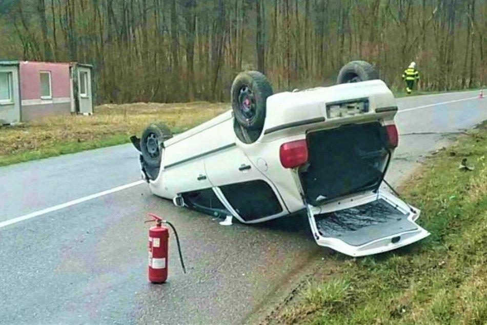 OBRAZOM: Dopravná nehoda pri Dolnom Lieskove