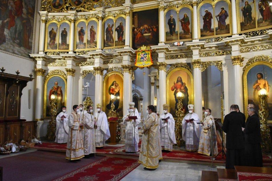 Obrazom: Posviacka paschálnych jedál a Archijerejská svätá liturgia