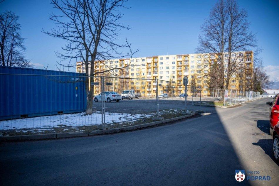 Začiatok výstavby parkoviska na Bajkalskej v Poprade
