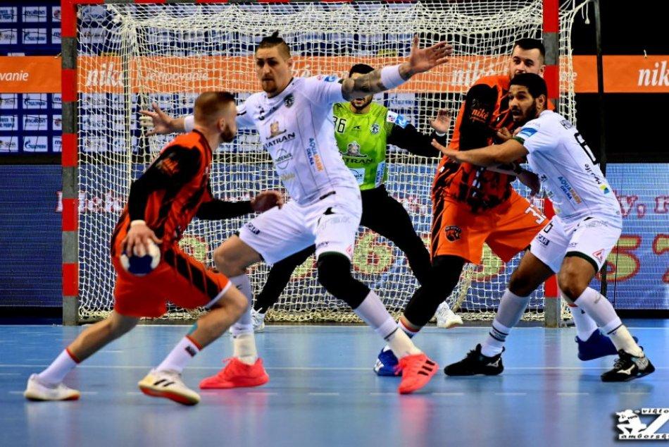 Obrazom: Hádzanári Prešova zdolali v semifinále Košičanov