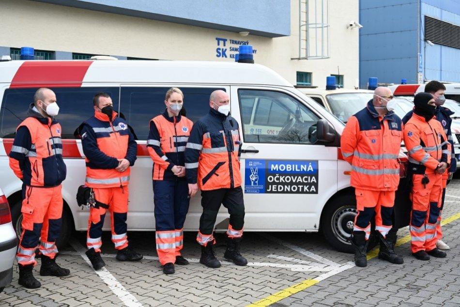 Trnavský kraj spustil pilotné očkovanie cez mobilné jednotky