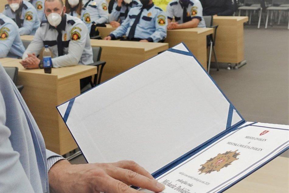 V OBRAZOCH: Zvolenská primátorka sa poďakovala mestským policajtom