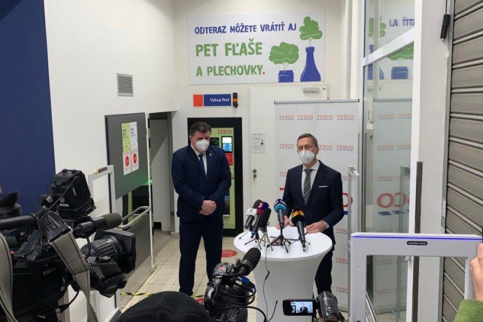 Prvý automat na zálohovanie PET fliaš a plechoviek