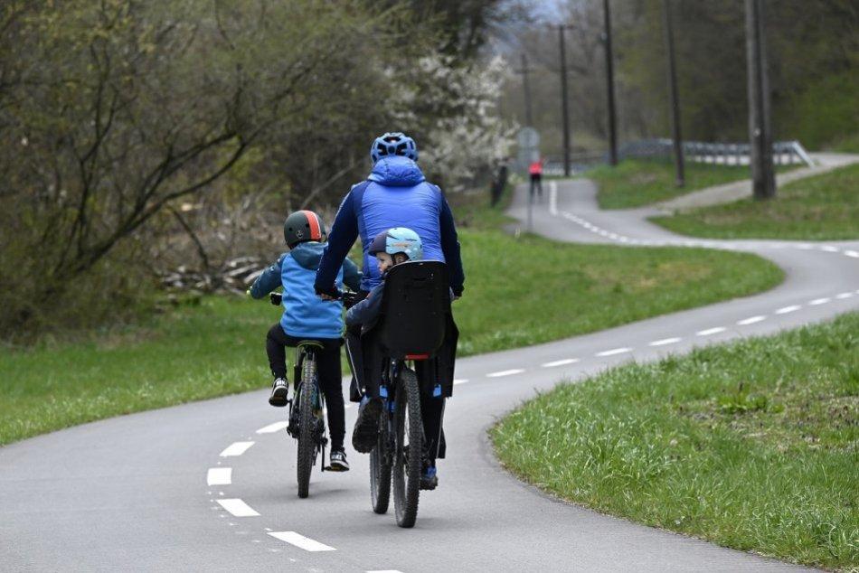OBRAZOM: Cyklotrasa v Skalke nad Váhom láka stovky návštevníkov