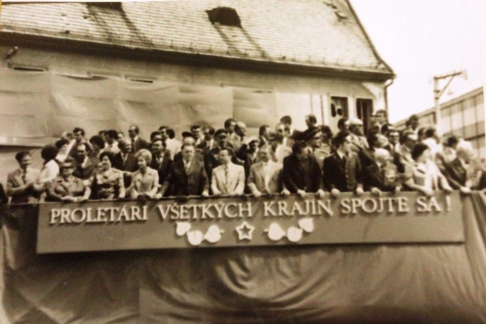 Prvomájové oslavy v Topoľčanoch na RETRO fotografiách