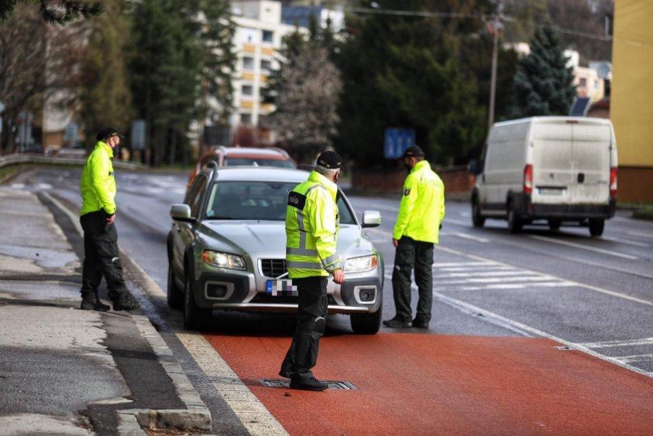 V OBRAZOCH: Ranná akcia krajských dopravákov