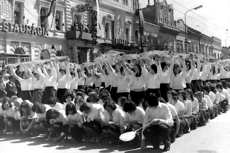 Objektívom: Archívne zábery na oslavy 1. mája v Prešove
