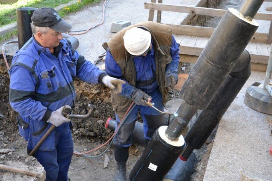Opravy potrubí v Humennom