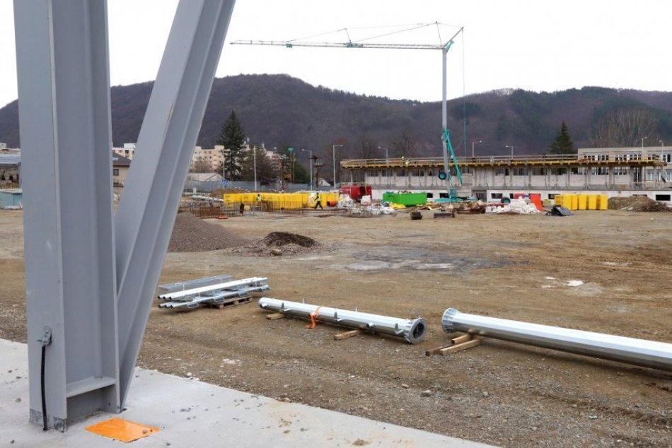 V OBRAZOCH: Stavebné práce na mestskom mládežníckom štadióne v Bystrici