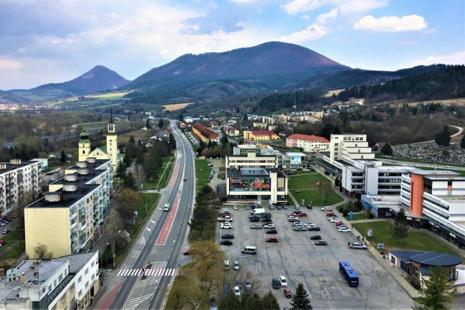 OBRAZOM: Nevšedný pohľad na Považskú Bystricu z výškovej budovy