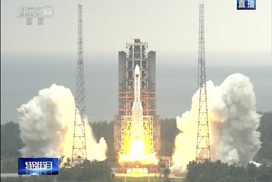 Štart čínskej rakety s modulom pre vesmírnu stanicu Tchien-kung