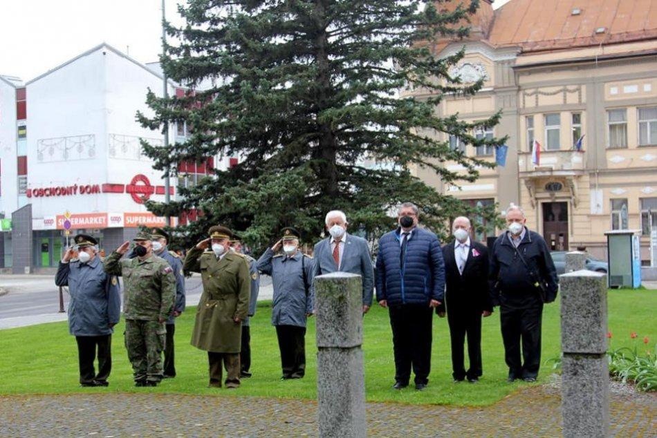 V OBRAZOCH: V Brezne sa spomínalo na obete vojny