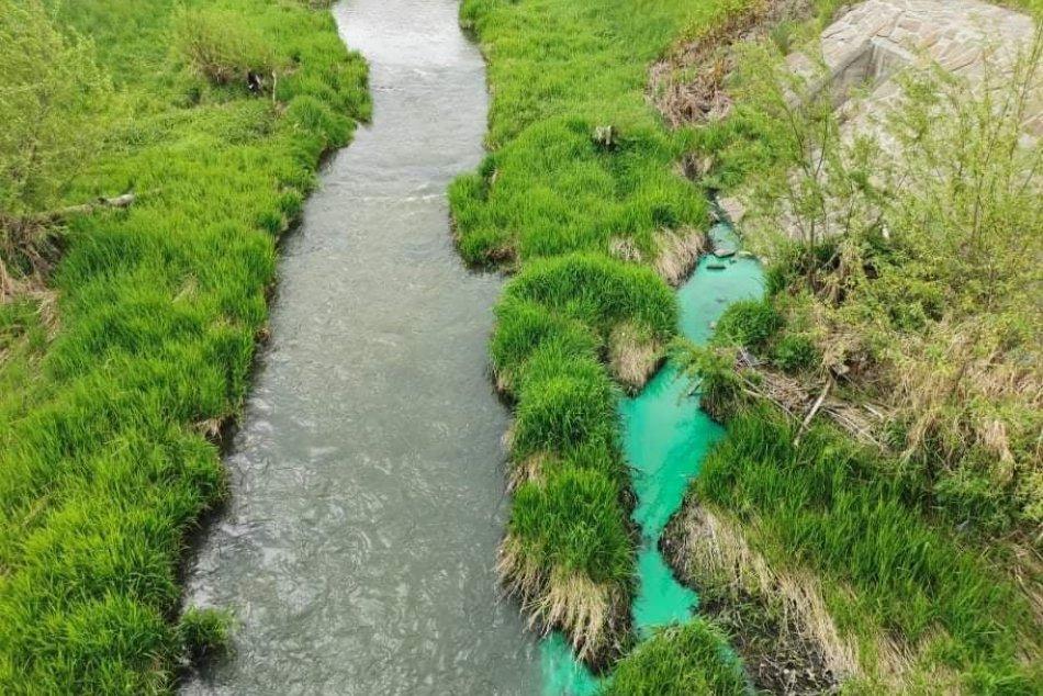 V OBRAZOCH: Znečistenie vodného toku Neresnica