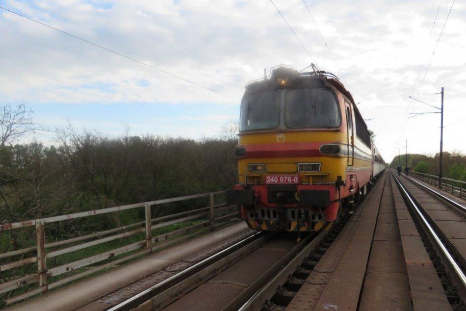 Tragédia na železnici medzi Šaľou a Trnovcom nad Váhom