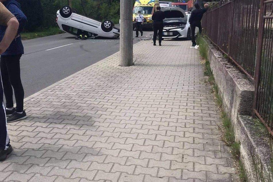 V OBRAZOCH: Zábery z miesta nehody v Lučatíne