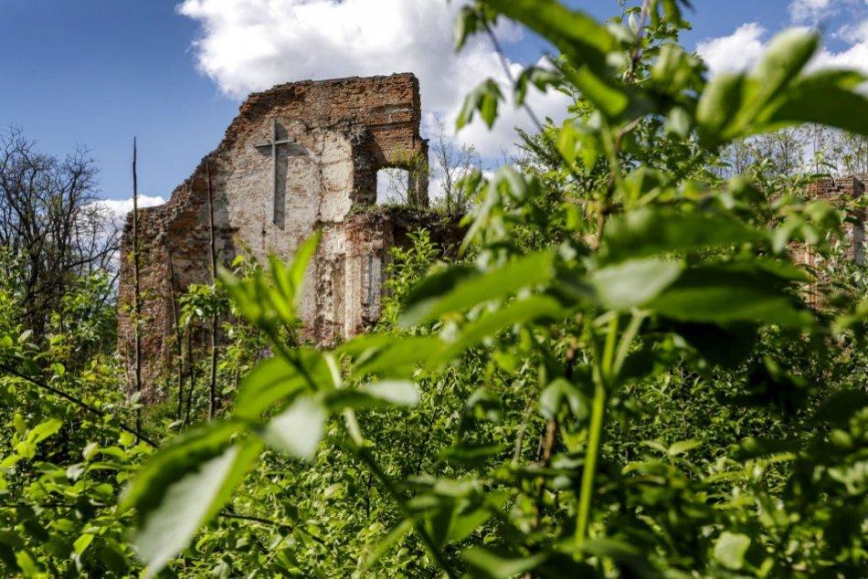 OBRAZOM: Ruiny kláštora Mariánska Čeľaď