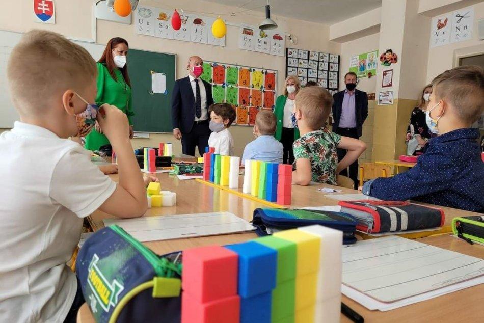 V OBRAZOCH: Minister školstva Branislav Gröhling navštívil Lučenec