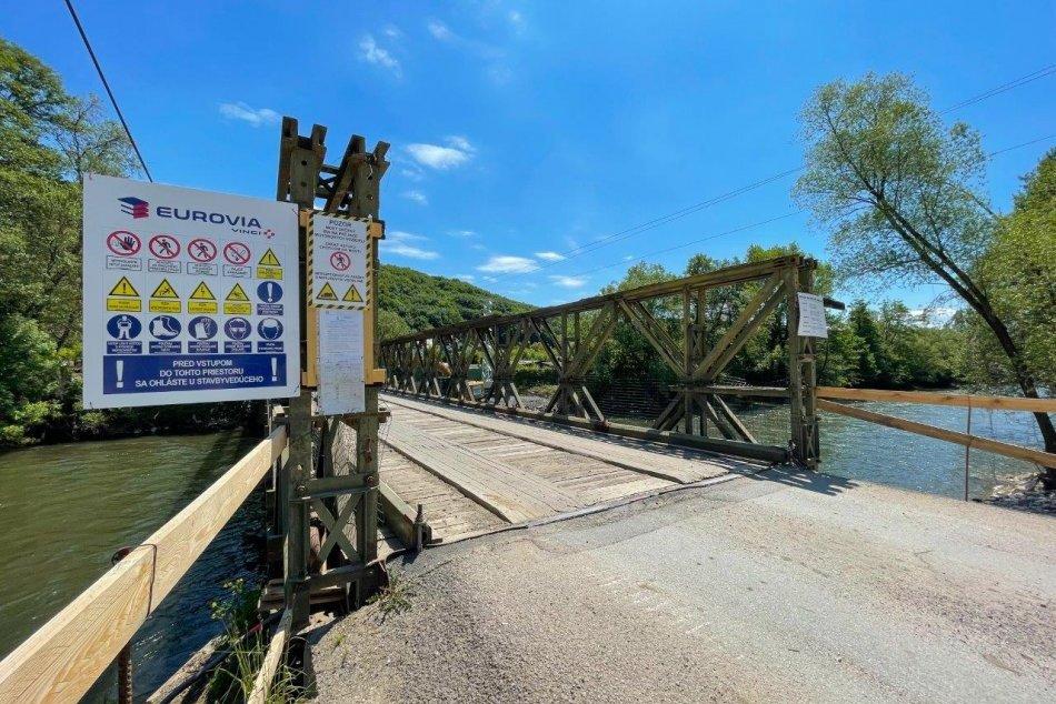 V OBRAZOCH: Práce na moste vIliaši pokročili