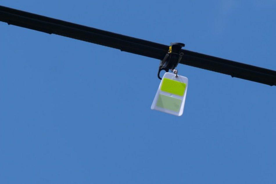 Prvky FireFly majú zabrániť stretu vtáctva s lanovkou