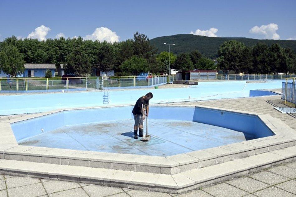 Na Šírave pracujú v bazénoch, v ktorých sa nemôžu osviežiť