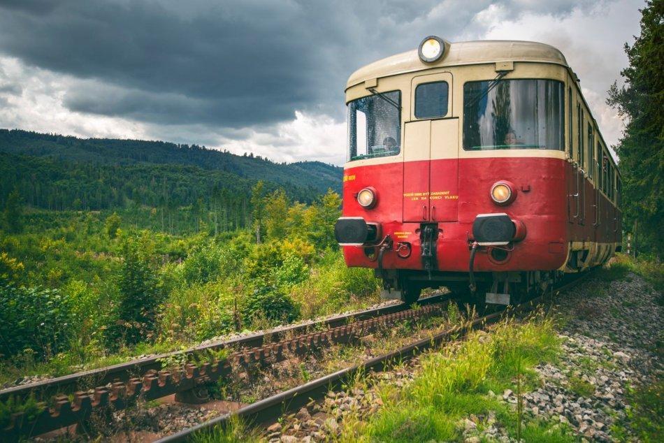 V OBRAZOCH: Zážitkové vlaky v Banskobystrickom kraji lákajú turistov