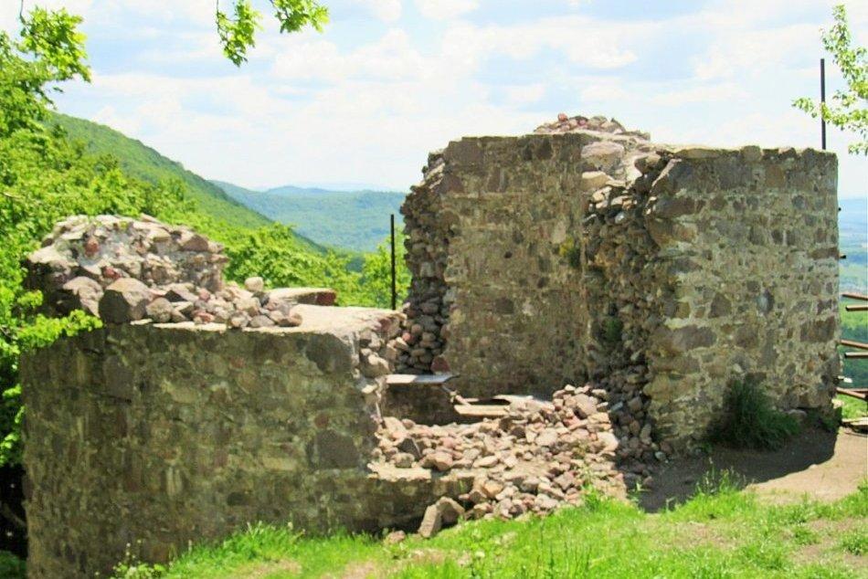 Objektívom: Zbojnícky hrad nad Ruskou Novou Vsou