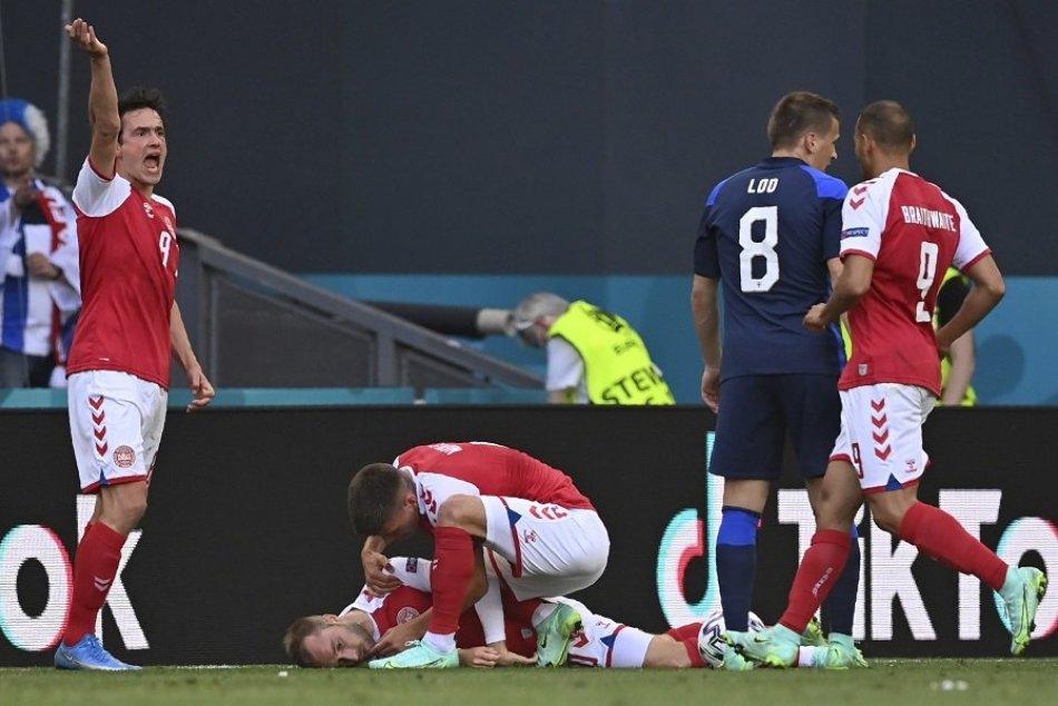 FOTO: Eriksena oživovali, zápas Dánsko - Fínsko prerušili