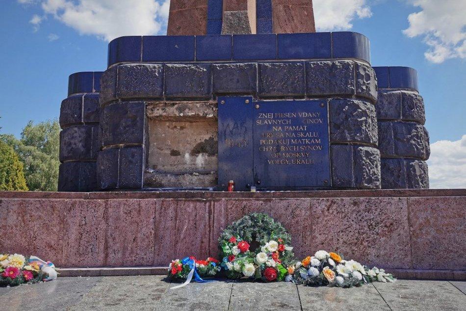 V OBRAZOCH: Na Cintoríne padlých vojakov sovietskej armády nevyčíňal vandal