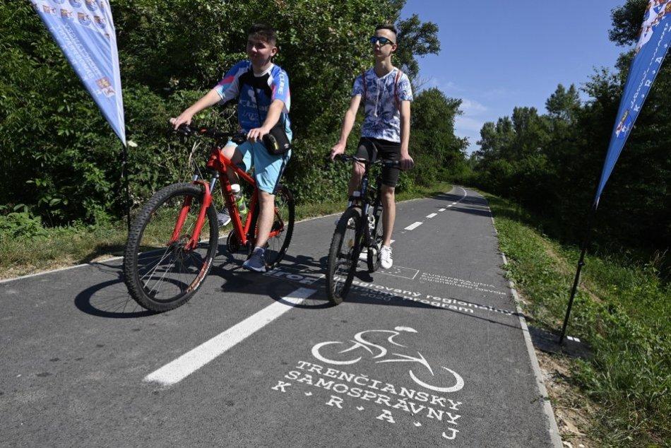 OBRAZOM: Otvorili cyklotrasu z Nového Mesta nad Váhom do Trenčína