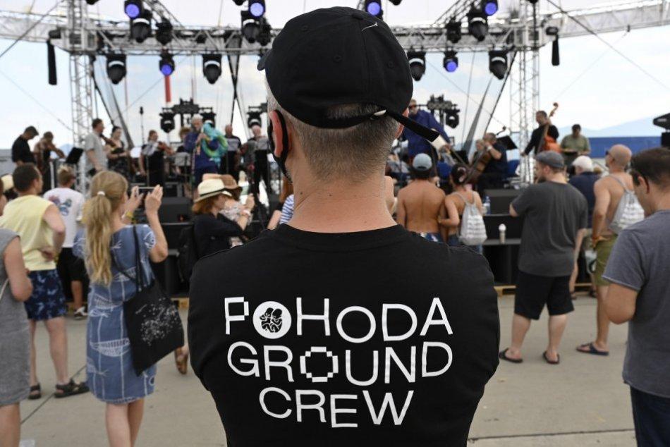 OBRAZOM: Na letisku v Trenčíne sa začala Pohoda on the Ground