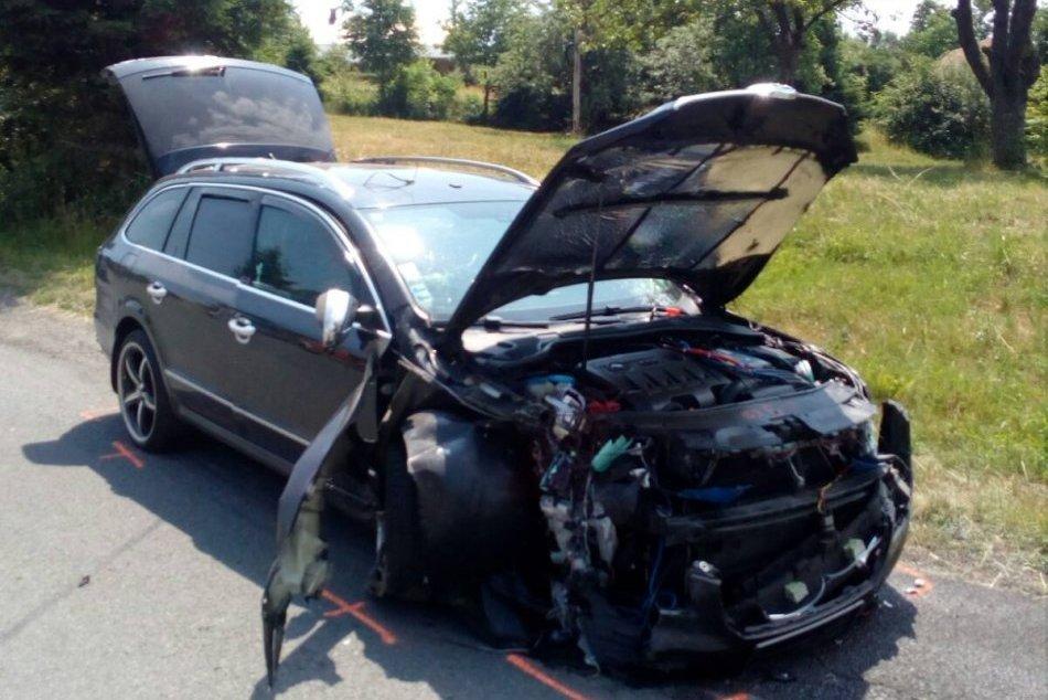 V OBRAZOCH: Na Podpoľaní došlo k vážnej nehode, autá sa zrazili čelne