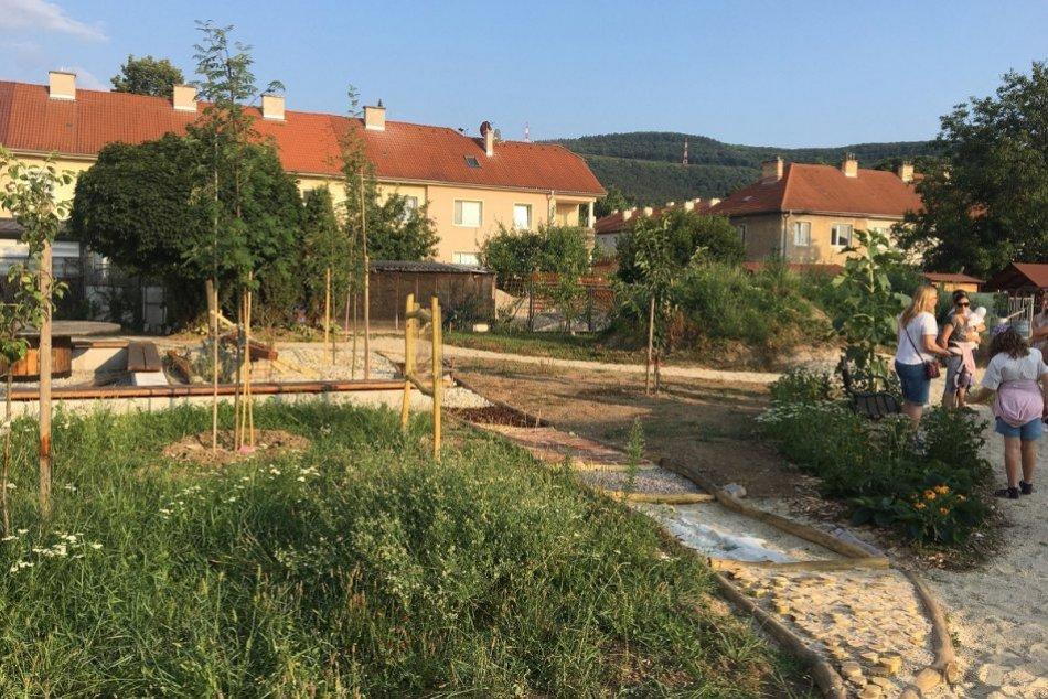 OBRAZOM: Baťovianska záhrada v Partizánskom už slúži verejnosti