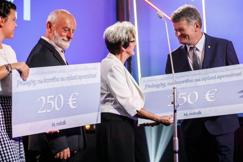 FOTO: Pavol Mičúch si prevzal cenu Pedagóg, na ktorého sa oplatí spomínať