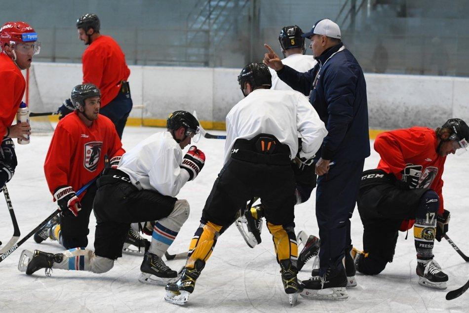 Objektívom: Prvé zábery z prípravy hokejistov Prešova