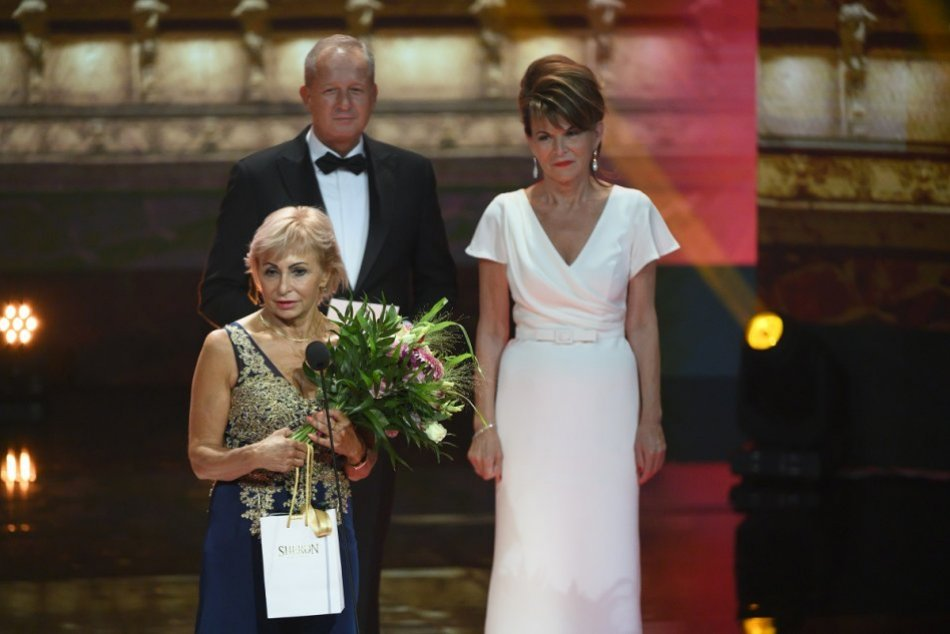 FOTO: Absolútnou Slovenkou roka 2021 je Želmíra Komorechová