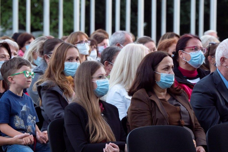 V OBRAZOCH: Zdravotníkom v Bystrici poďakovali koncertom