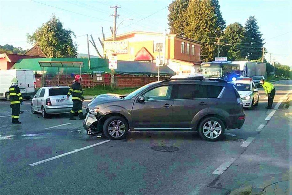 OBRAZOM: Dopravná nehoda v obci Trenčianske Stankovce