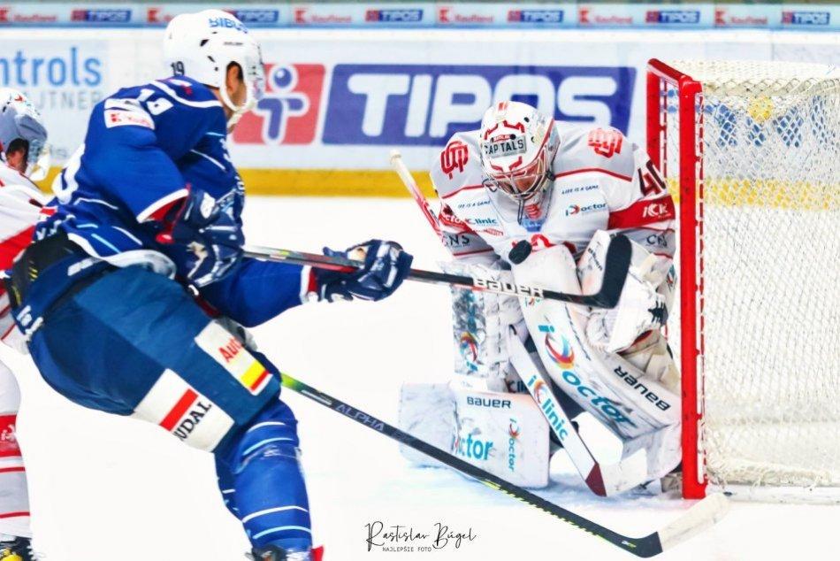 OBRAZOM: HK Nitra - iClinic Bratislava Capitals 2:1 (0:0, 0:1, 2:0)